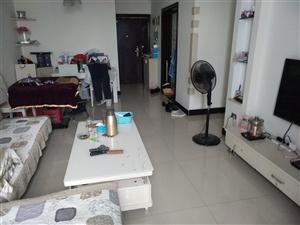 留金国际2室1厅1卫装修急售