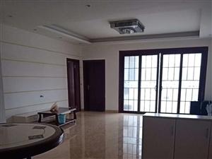 边贸附近电梯房3室 2厅 2卫61.8万元