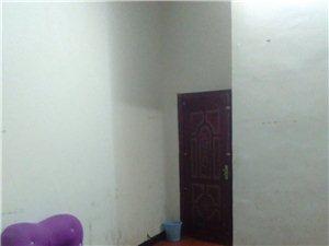 西环路1室 0厅 1卫450元/月