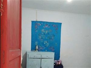 消防中心对面1室 1厅 1卫250元/月