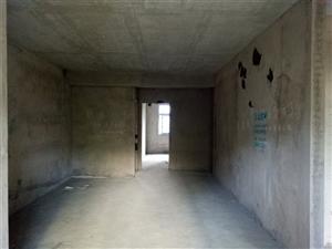 火车站附近4室 2厅 2卫56.8万元