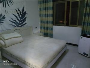 螳螂小区3室 1厅 2卫800元/月