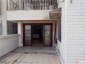 气车站附近电梯房3室 2厅 2卫61.8万元