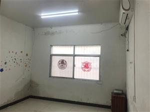 光明小区前面1室 1厅 1卫840元/月