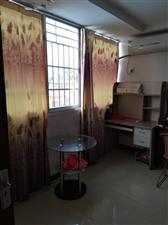 新街1室 1厅 1卫550元/月