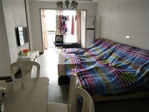 领秀边城 精装2室 2厅 0卫34.8万元