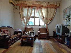 王锅贴楼上3室 2厅 1卫28.8万元