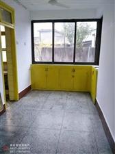 毛街幼儿园附近2室 2厅 1卫15.8万元
