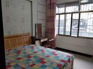 其它1室 1厅 1卫800元/月