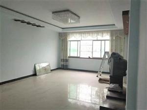 东大街3室 2厅 2卫33.8万元