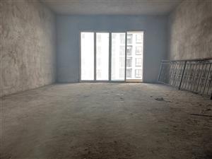 政府附近,4室 2厅 2卫41.8万元