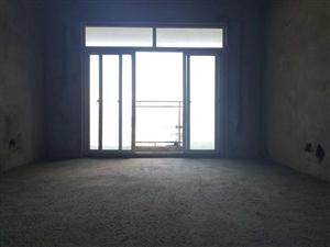 火车站对面,留金国际3室2厅2卫45.8万元