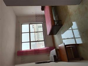 龙府后居民区3室 2厅 1卫800元/月
