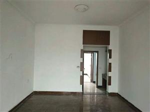 东大街附近3室 2厅 2卫33.8万元