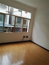 青松超市附近二楼望南精3室 2厅 1卫34.8万元