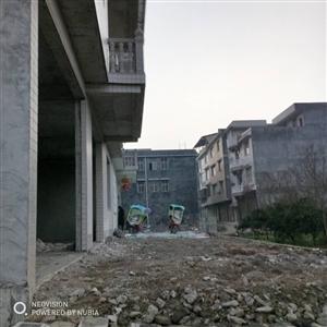 凤仪大道宝华驾校前沿河路4室 2厅 2卫45万元