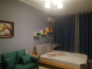 嵩州路公寓1室 1厅 1卫700元/月