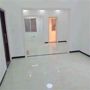 青松超市背后望南精装3室 2厅 1卫34.8万元