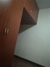 滨江花园4室 2厅 2卫93万元