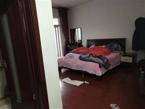 桂花苑4室 2厅 2卫66.8万元