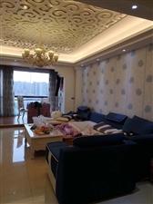 五岳广场3室 2厅 2卫68.8万元