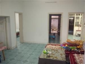 公路段老宿舍一楼4室 1厅1院 2卫48万元
