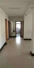 县医院家属楼4室 2厅 2卫40万元