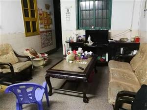 凤鸣小区5室 4厅 2卫2500元/月