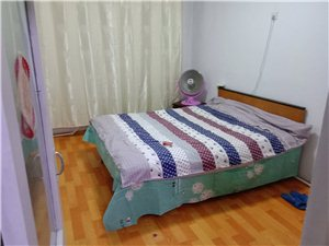 工人街2室 1厅 1卫7000元/月