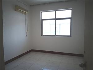 青屏大街青峰西路4室 2厅 1卫25.6万元