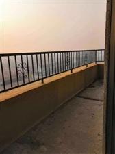 丽景豪庭151平米顶层复式82万元