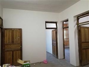 远华高速路口进口直行100米3室 1厅 1卫4800元/月
