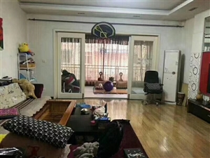 国土局宿舍4室 2厅 2卫64.8万元