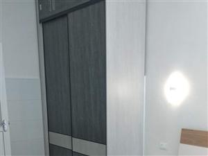 滨河花园1室 0厅 1卫7000元/年