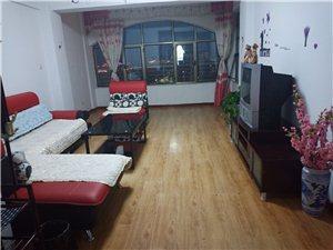 佳苑小区高层电梯房3室 2厅 1卫2000元/月