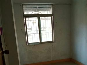 新城登峰路新城小学附近3室 1厅 1卫500元/月