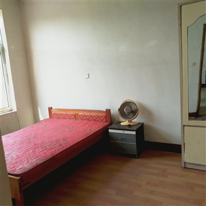 五中附近学区房2室 1厅 1卫650元/月
