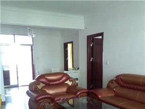 家和小区3室 2厅 2卫1600元/月