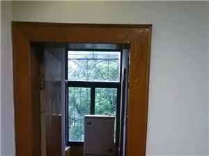 桐中隔壁宿舍樓2室 ,精裝修1000元/月