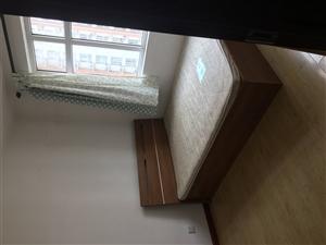 金台园3室 2厅 2卫1800元/月