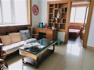 �古城小区精装4楼,78平客厅带窗3居室,带外开门小房52万