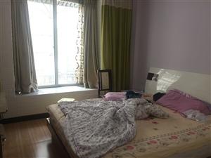 大广场3室 2厅 1卫850元/月