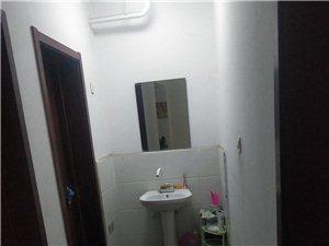 濟陽老城公安局家屬樓3室 1廳 1衛950元/月