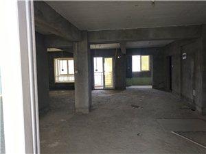 君悦华庭4室 2厅 2卫125万元