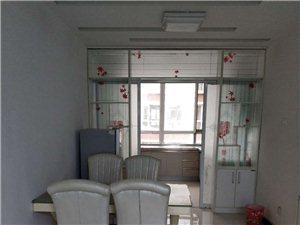 四季花城2室 2厅 1卫中间层带小房精装修