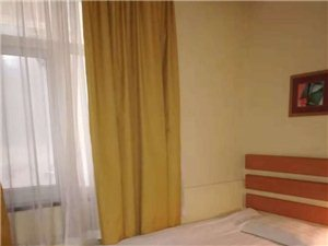 宾馆公寓 拎包入住1室 0厅 1卫700元/月
