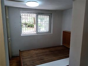 阳光家苑1室 1厅 1卫550元/月