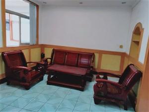东宝公路局家属区3室 2厅 1卫1000元/月