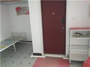 长庆新居小区1室 1厅 1卫750元/月