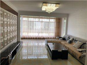 水岸华庭小区精装新房2200元/月